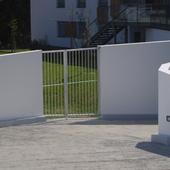 Nantes : Portail 2 vantaux sur terrain en pente