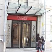 Le bâtiment : Porte hall d'immeuble
