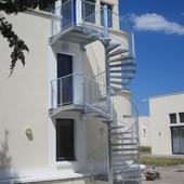 Escalier hélicoïdal galvanisé avec palier