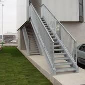 Escalier droit galvanisé