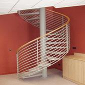 Escalier acier hélicoïdale avec main courante bois