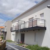 Balcons de la Coraudière - CIF - Olichon Pavageau : Balcon métallique en porte-à-faux