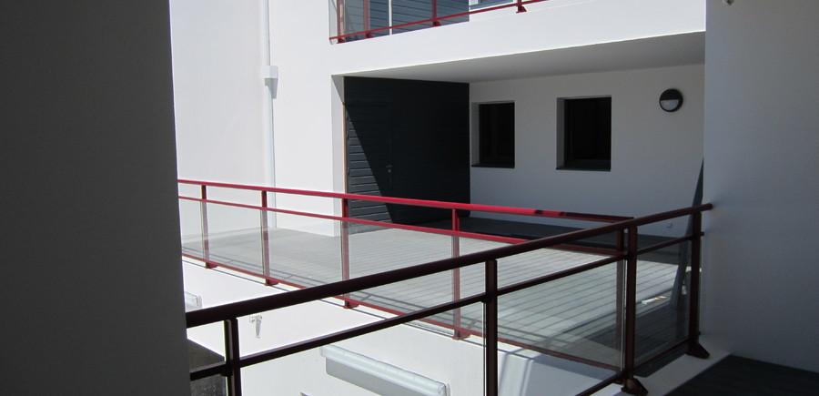 Garde-corps aluminium vitré