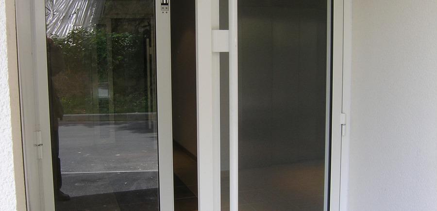 Hall immeuble aluminium vitré