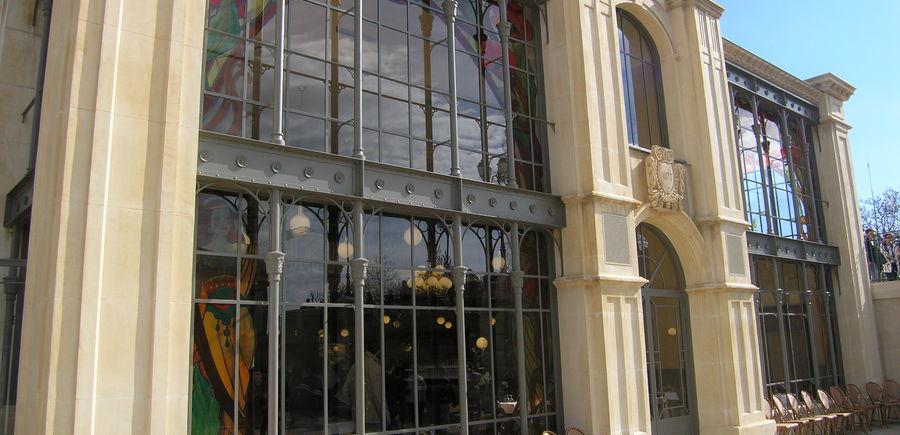 Bourg 1900 - Puy du Fou - Sica : Façade vitrée acier