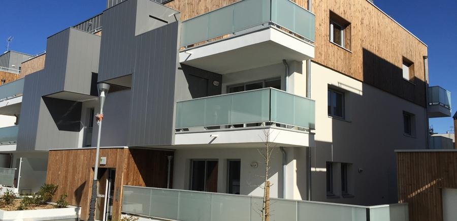 Cellier tôlé sur balcon