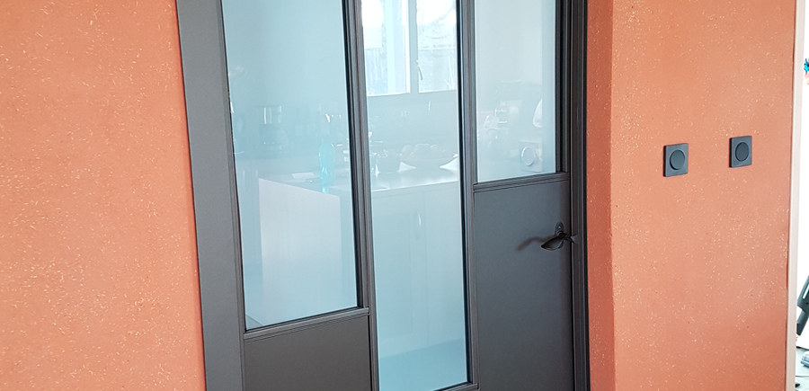 Porte intérieure acier vitrée sur-mesure
